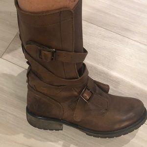 STEVE MADDEN SLOUCHY LEATHER BOOTS 7